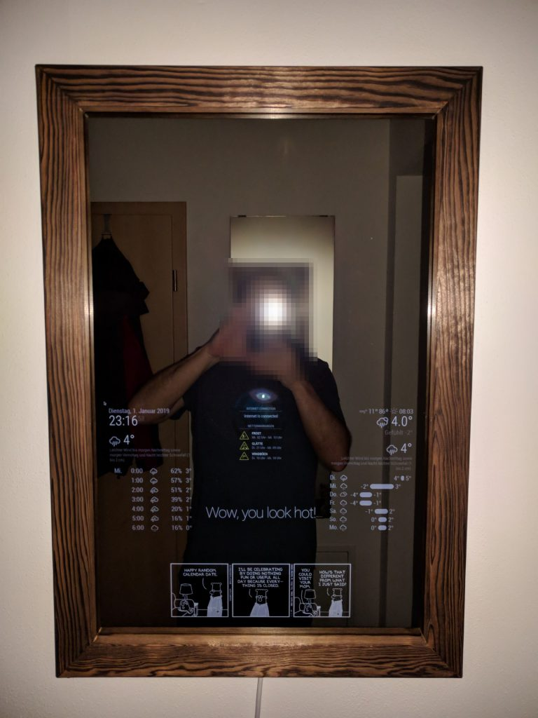 MagicMirror Frontansicht mit Blitzlicht